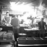 Photo taken at Wai Sek Kai 為食街 by FuiYau Y. on 3/19/2012