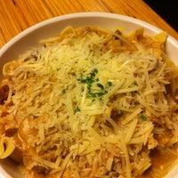 Foto scattata a Noodles & Company da Josh R. il 1/16/2011