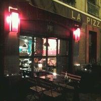 Photo prise au La Pizza par Dan A. le3/14/2012