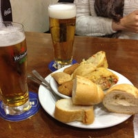 Foto tomada en Bar Ovni por Miriam C. el 3/22/2012