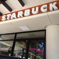 Das Foto wurde bei Starbucks von Park S. am 7/24/2012 aufgenommen