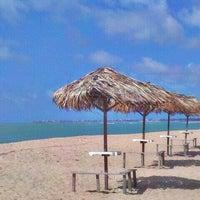 Foto tirada no(a) Praia de Guaxuma por Rafael P. em 3/19/2012
