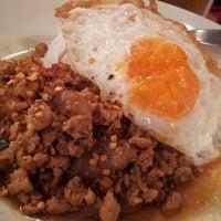 Foto diambil di Green Phad Thai oleh yasuzoh pada 9/8/2012