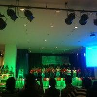 Photo taken at โรงเรียนสาธิตนวัตกรรม มหาวิทยาลัยเทคโนโลยีราชมงคลธัญบุรี by Manuy K. on 9/5/2012