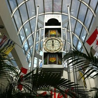 Photo taken at Oakridge Centre by 🇬🇧Nigel C. on 8/2/2012