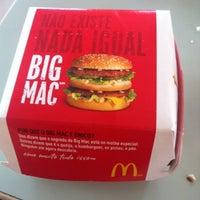 Foto tirada no(a) McDonald's por Marcio S. em 8/25/2012