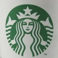 Foto tirada no(a) Starbucks por Ben S. em 2/21/2012
