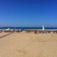 Photo taken at Rethymno Beach by Nikosp20 ✨ on 8/25/2012