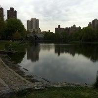 Das Foto wurde bei Central Park - North Woods von Justin M. am 4/18/2012 aufgenommen