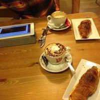 9/12/2012 tarihinde Яна О.ziyaretçi tarafından Petit Pot'de çekilen fotoğraf