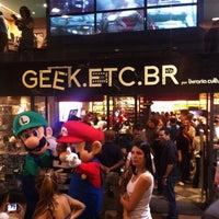 Photo taken at Geek.Etc.Br by Bruno V. on 4/25/2012
