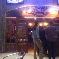 Das Foto wurde bei Yours Australian Bar von Daniel S. am 3/28/2012 aufgenommen