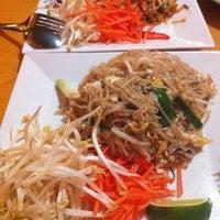 Das Foto wurde bei Arunee Thai von Unchalee C. am 5/13/2012 aufgenommen