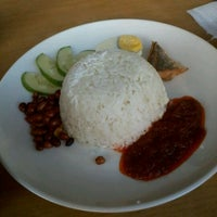 Photo taken at Arbi Cafe & Catering, Jalan Parry, Miri by Dunald ッ. on 5/29/2012