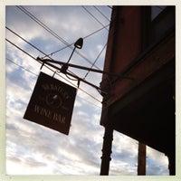 Foto scattata a Webster's Wine Bar da Samantha O. il 8/11/2012