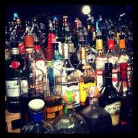 Foto scattata a Bar Thalia da Lauren il 3/23/2012