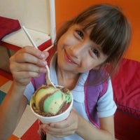 Photo taken at Mama's Ices And Ice Cream by Harmoni B. on 9/13/2012