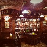 5/27/2012 tarihinde Катя С.ziyaretçi tarafından Пивний клуб «Десятка» / Beer Club 10'de çekilen fotoğraf