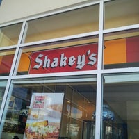 Photo taken at Shakey's by Jeruhwell Hojilla P. on 7/7/2012
