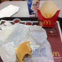 Foto scattata a McDonald's da Mista P. il 7/15/2012