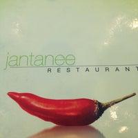 Снимок сделан в Jantanee Restaurant пользователем Kayka S. 4/25/2012