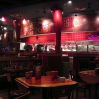 Photo taken at Red Robin Gourmet Burgers by Miss T B. on 1/6/2012