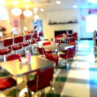 Photo taken at Johnny Rockets by Abel S. on 4/6/2011