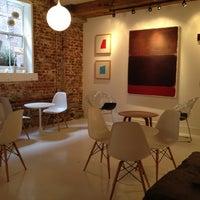 Das Foto wurde bei Caffe Furbo von Jackie S. am 1/20/2012 aufgenommen
