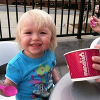 Photo taken at Menchie's Frozen Yogurt by swampydad on 3/19/2012