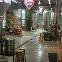 Foto tomada en Red Brick Brewing Company por Joshua G. el 5/7/2011