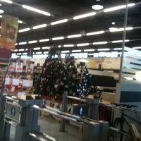 Foto tomada en Unimarc por Joyce F. el 11/17/2011