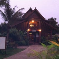 Photo taken at Zuela's Guesthouse by Truc L. on 10/12/2011