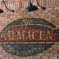 Foto tomada en El Almacen del Bife por Carlos F. el 1/27/2012