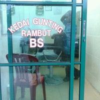 Photo taken at Kedai Gunting Rambut BTS by Hisha A. on 7/16/2012
