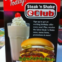 Photo taken at Steak 'n Shake by Celia Rosa G. on 2/27/2011