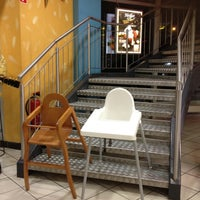Das Foto wurde bei Burger King von Tiana L. am 1/7/2012 aufgenommen