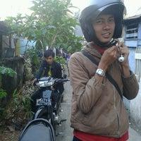 Photo taken at Cuci Motor Goceng by Dez M. on 7/20/2012