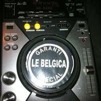 Das Foto wurde bei Le Belgica von Olivier G. am 3/10/2012 aufgenommen
