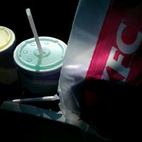 Photo taken at Taco Bell by Nathaniel A. on 9/13/2011