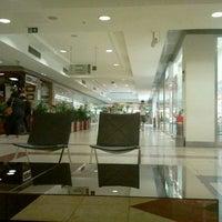 Foto tirada no(a) Casa & Gourmet Shopping por Cristiano F. em 10/27/2011