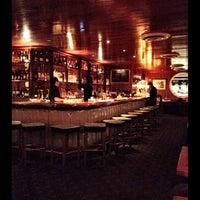 2/29/2012 tarihinde jon p.ziyaretçi tarafından Lure Fishbar'de çekilen fotoğraf