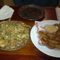 Photo taken at Hooters of Fremont by Harvey Y. on 1/13/2012