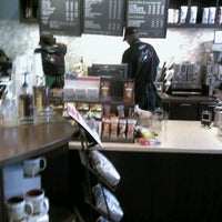 Photo taken at Starbucks by Jelani George Costanza T. on 7/13/2012