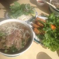 Foto scattata a Pho Ca Dao da Roger M. il 8/17/2012