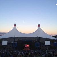 Foto tomada en Shoreline Amphitheatre por Jeanette G. el 7/1/2012