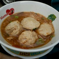 Photo taken at Bakso Gepeng Apotik Rini Rawamangun by Christanti A. on 1/17/2012