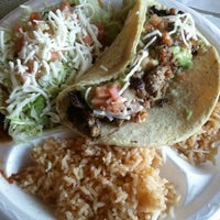 Das Foto wurde bei El Zarape von Laurie B. am 4/16/2012 aufgenommen
