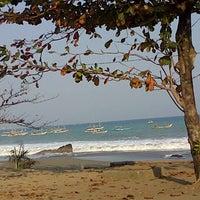 Photo taken at Pantai Pelabuhan Ratu by Adenendi R. on 8/10/2012