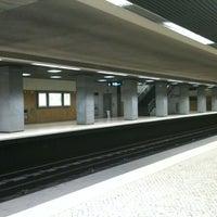 Photo taken at Metro Restauradores [AZ] by hugo f. on 4/12/2012