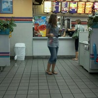 Photo taken at Taco Bell by Vickie D. on 8/26/2011